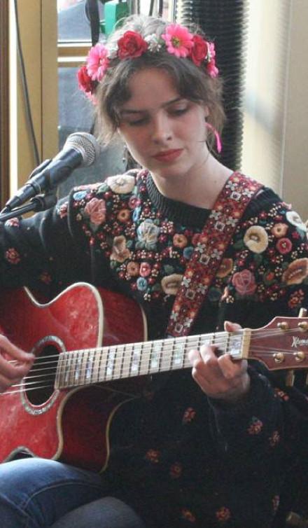 Unge sangskrivere giver koncert