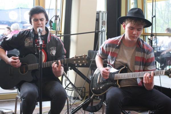 Unge sangskrivere fra Kulturskolen giver koncert
